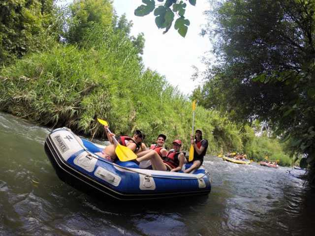 Group rafts down the river - canyon country ca news