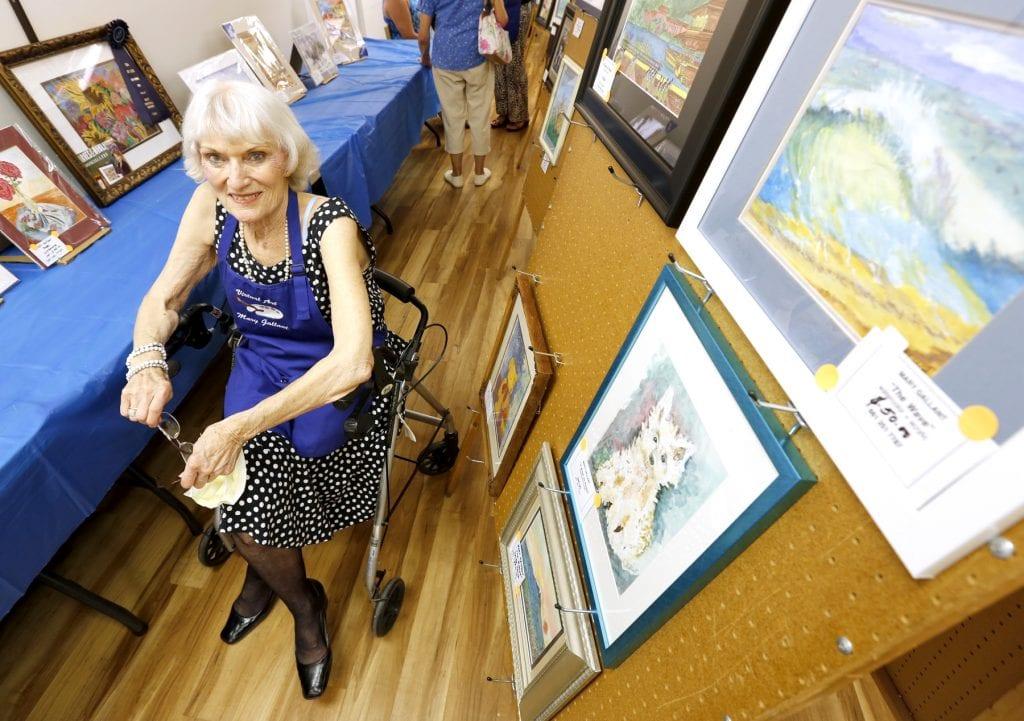 Mary Gallant photo - santa clarita daily news