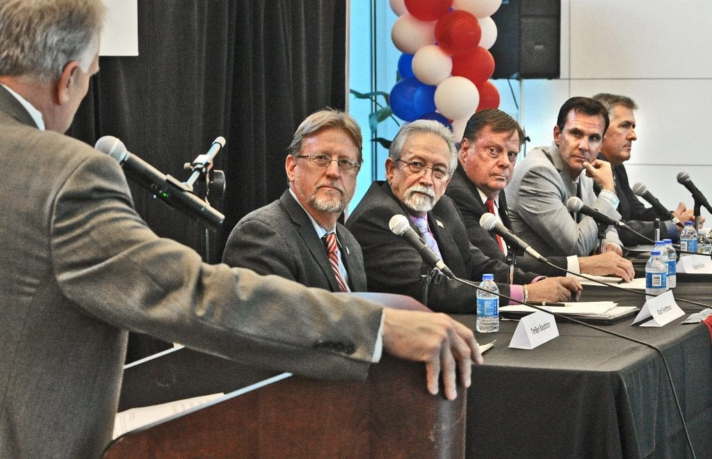 Debate photo - news in santa clarita ca