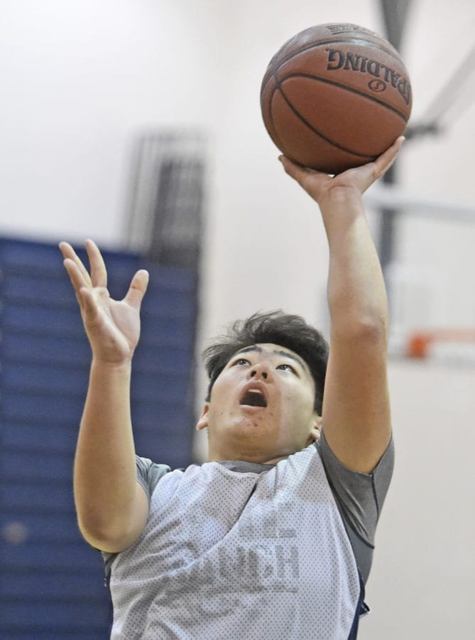 Freshman Clyde Seo shoots at a West Ranch practice last week. Dan Watson/The Signal