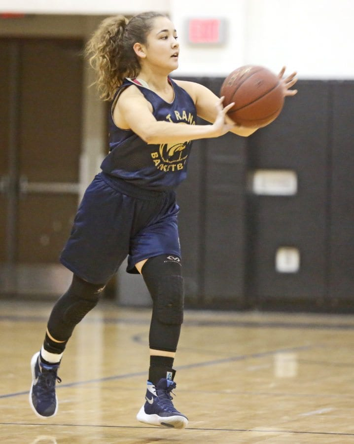 West Ranch's Izzy Singer passes the ball to a teammate during practice on Dec. 8. Katharine Lotze/Signal