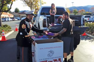 toys-for-tots_03