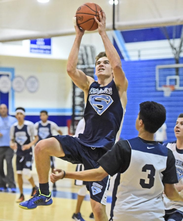 Saugus player Zach Phipps practices at Saugus on Wednesday.  Dan Watson/The Signal.  Dan Watson/ The Signal