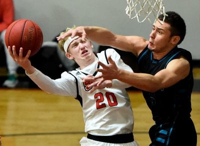 SCCS boys hoops falls late in title rematch