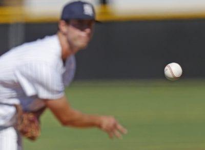 Saugus baseball rides 10-run inning to win over Canyon