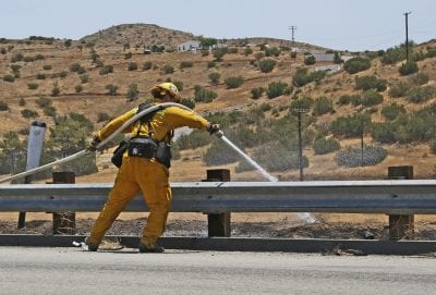 Small brush fire breaks out near northbound 14 freeway