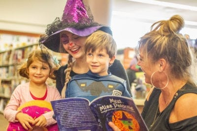 Author treats kids to reading of book