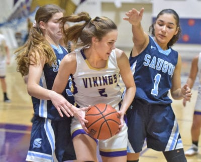 Valencia girls hoops beat Saugus for first place