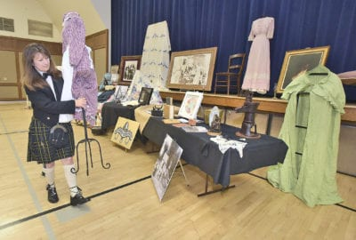 Genealogy fair unveils family histories for SCV residents