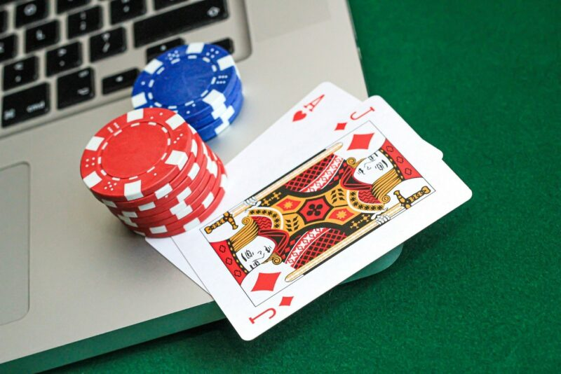 A few things to keep in mind before visiting casino sites