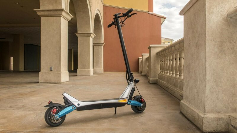 electric-scooter-adult-commuter-scooter- varla-scooter